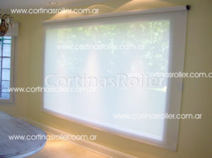 Cortina roller ancha base blanco