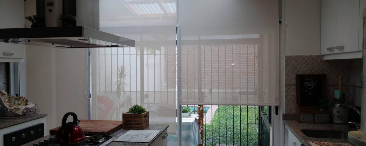 cortinas roller cocina